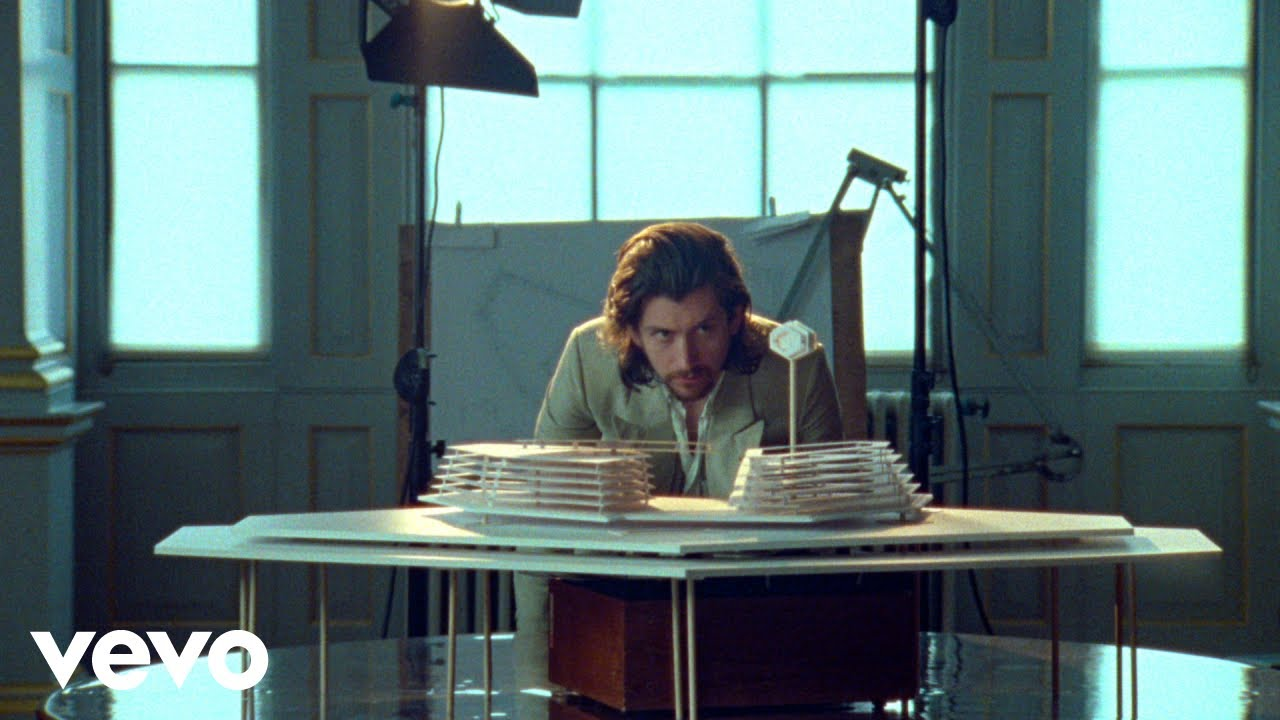Arctic Monkeys – Four Out Of Five (Official Video)