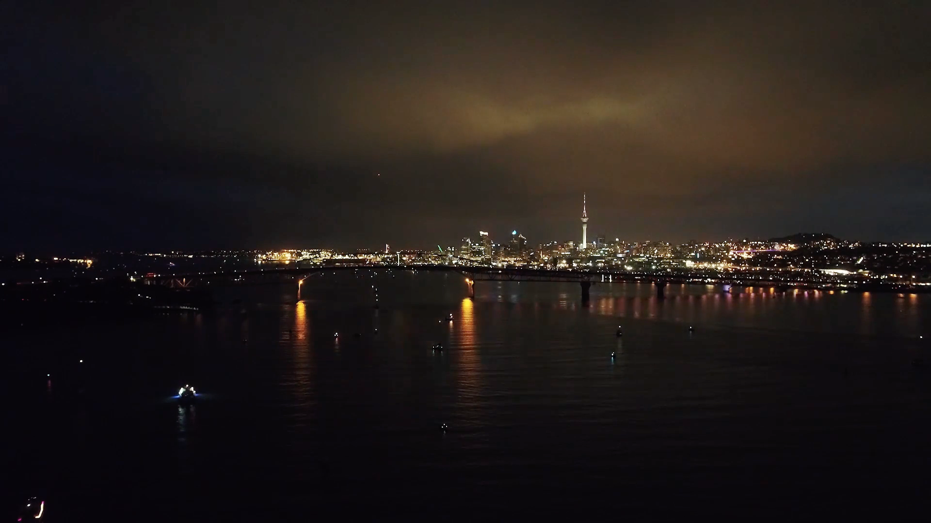 Watch the incredible light installation at Auckland's harbour bridge