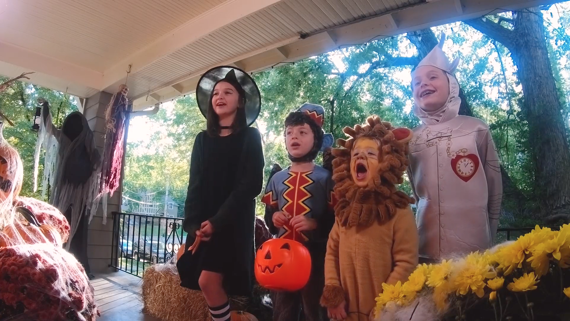 kids experience the gender pay gap first-hand when trick-or-treating