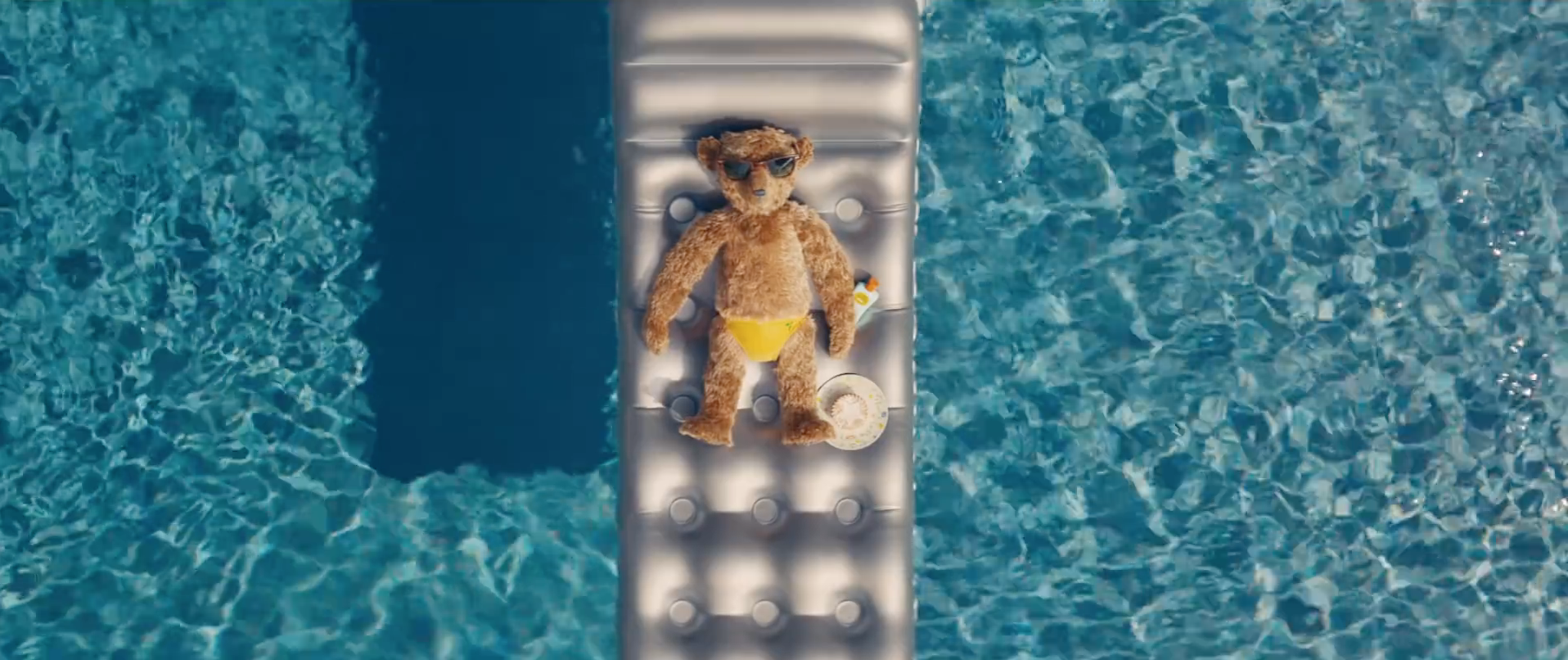 The Heathrow bears quite literally return for the Christmas holidays