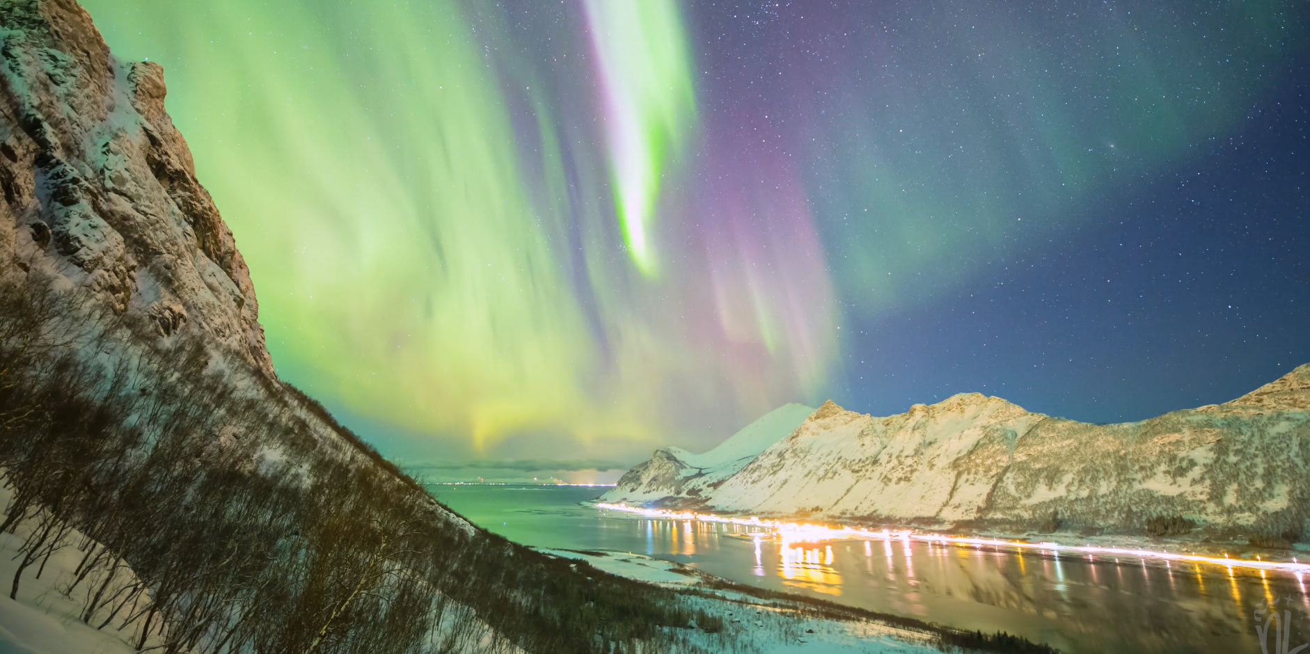 Watch This Amazing Time-Lapse of The Northern Lights In Norway
