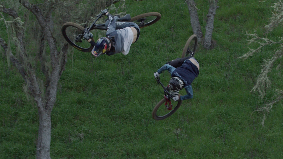 "PARALLEL: Two Pro Bikers Have An Amazing ""In Sync "" Race"
