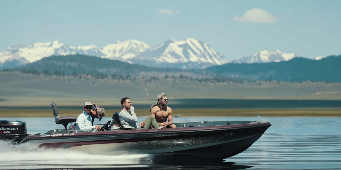 Zac Efron Goes Off The Grid To The Mammoth Lakes In California