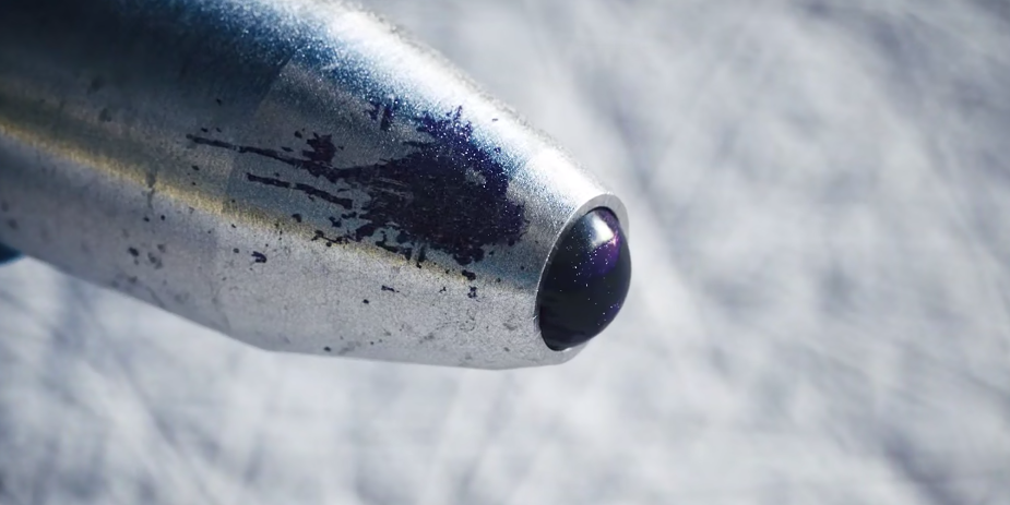 """Super Zoom"" Gives Us A Microscopic View Inside A Pen"