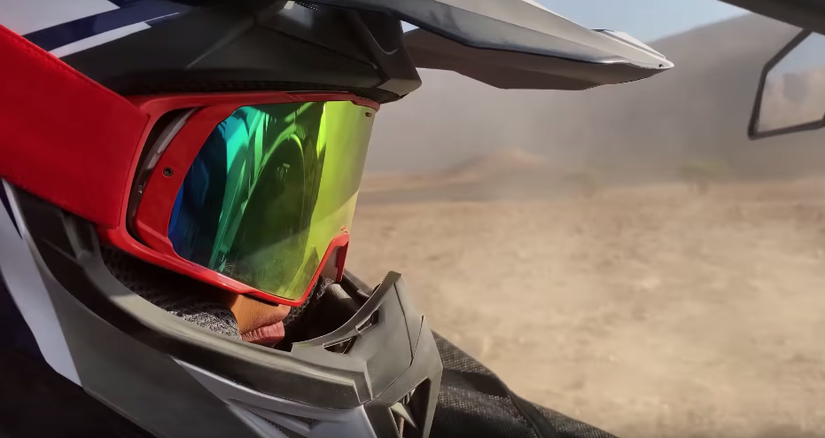 Apple Takes Us On A Fast-Paced Ride Around Saudi Arabia's Deserts