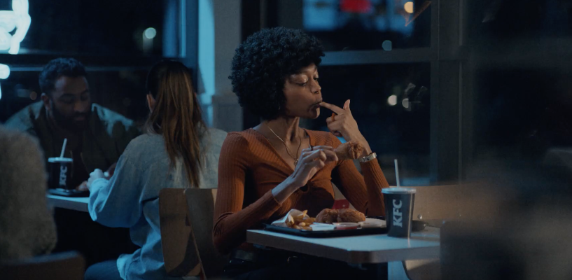 """KFC Reminds Us Just How """"Finger Lickin' Good"""" Their Chicken Is In This Funny Ad"""