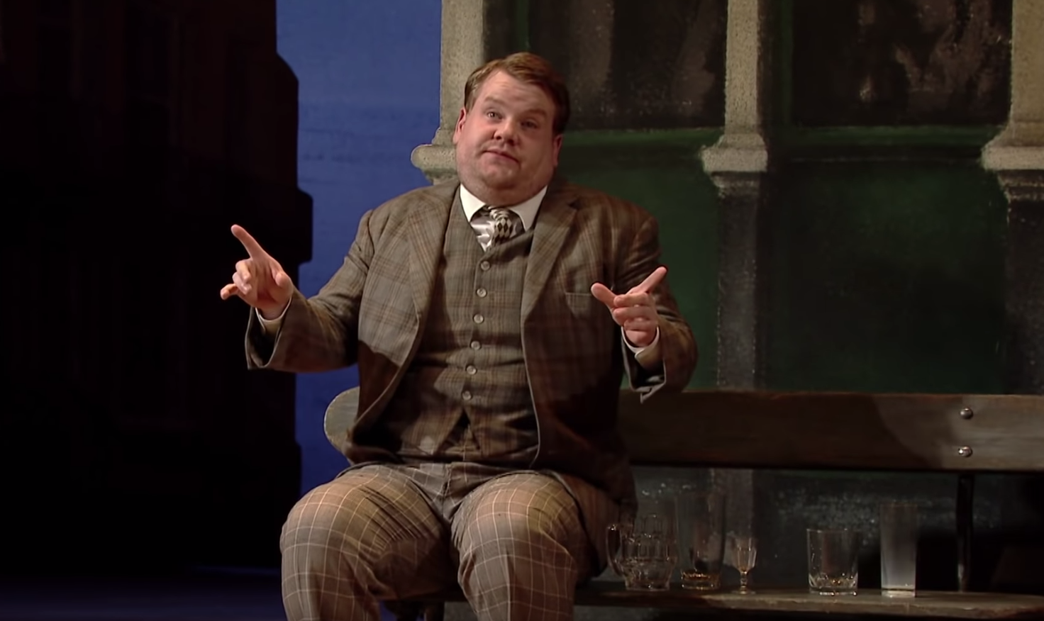 "The National Theatre Have Put ""One Man, Two Guvnors"" Online For Free"